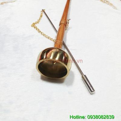 Khánh Đồng tay gỗ